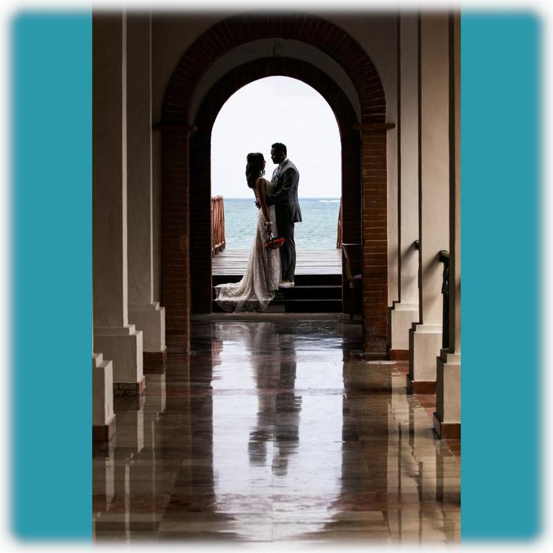Emily_John_StLouis_Wedding_Photos_0009-2