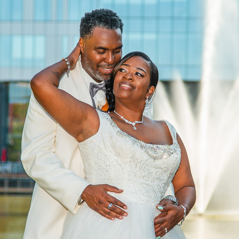 Link to a Greater St Louis area wedding photography gallery: Rhonda and Tyrone